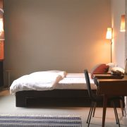 volkshotel-madam-miva-bed