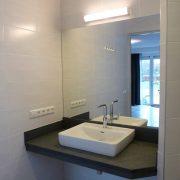 Bos-Inn, badkamer-wastafel