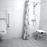 De Neust, rolstoeltoegankelijke badkamer kamer nr. 6