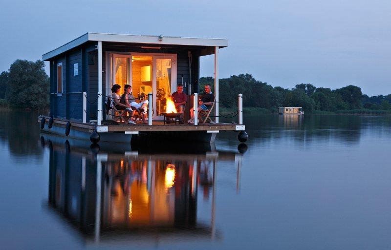 rolstoeltoegankelijke bungalowboot