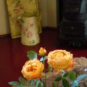 Hunebed & breakfast, Drentse kamer, detail kachel