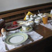 VHunebed & breakfast, ontbijt