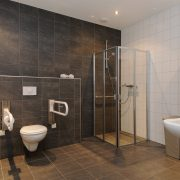 Landschotse Hoeve, badkamer Wit Holland