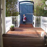 Pipwagen Warm welkom, veranda:oprit