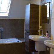 De Maasgaarde, badkamer bovenDe Maasgaarde, badkamer boven
