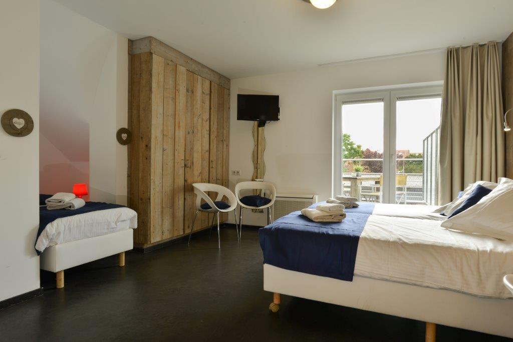 Hotel aan Zee, rolstoeltoegankelijke kamer nr 11 derde bed