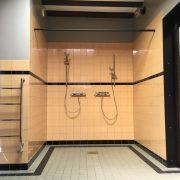 Honswijck, rolstoeltoegankelijk badkamer, dubbele douche